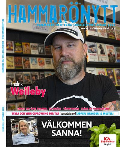 Framsidan av HammaröNytts septembernummer 2019 där Fredrik Weileby är huvudperson. ICA Tummen annons längs ner.