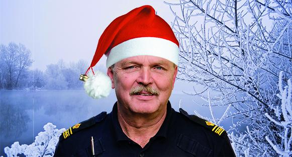 Lennart med julmössa