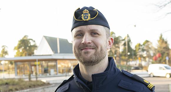 Vår nya poliskompis Anders.