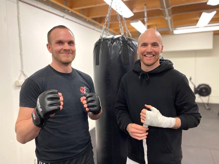 Anderas Lindblad och Anders Wiklund, två av de aktiva hos Hammarö Fight Club.