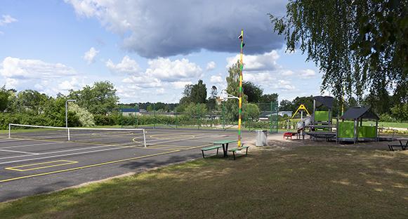Den upprustade och fixade Lövnäsparken är redo att ta emot besökare i alla åldrar.